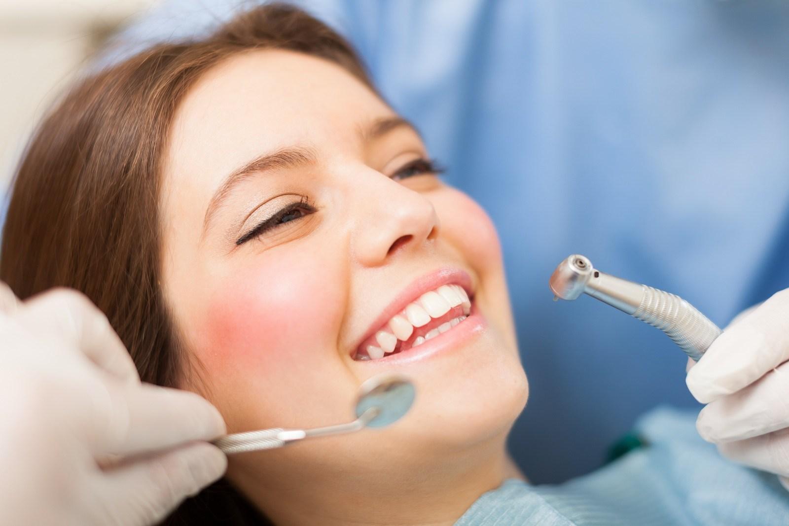 Muốn nhanh lành vết thương sau khi nhổ răng khôn, đừng quên thực hiện những điều sau