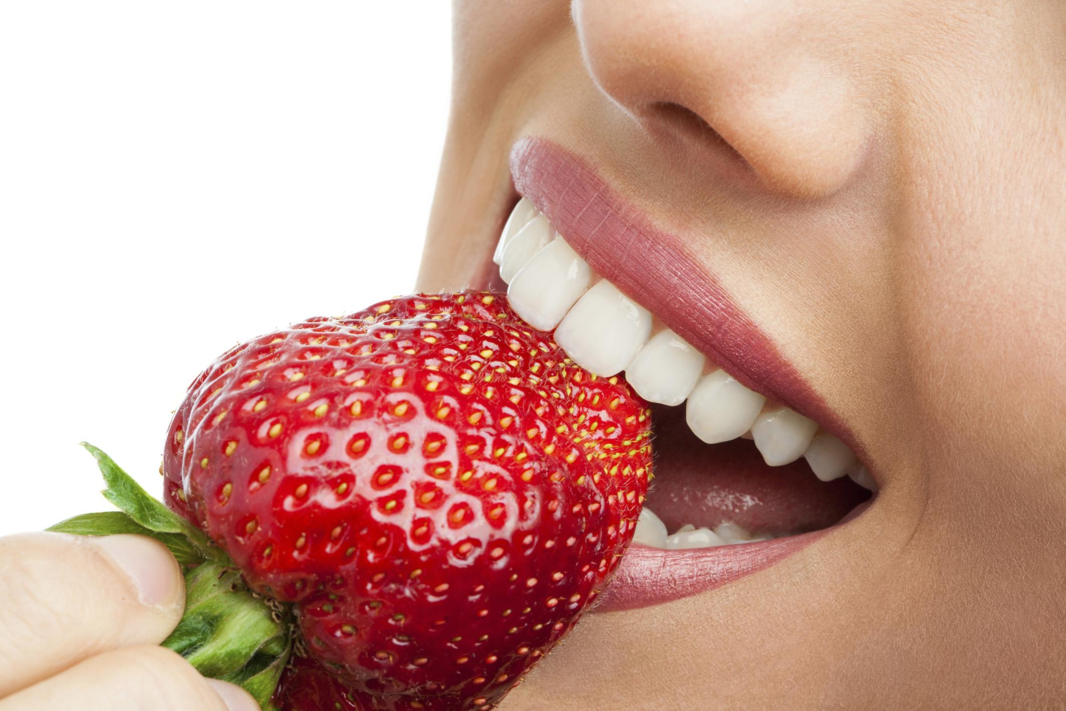 Mách bạn 5 cách tẩy trắng răng hiệu quả tại nhà